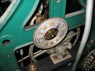 chiming mechanism clock
